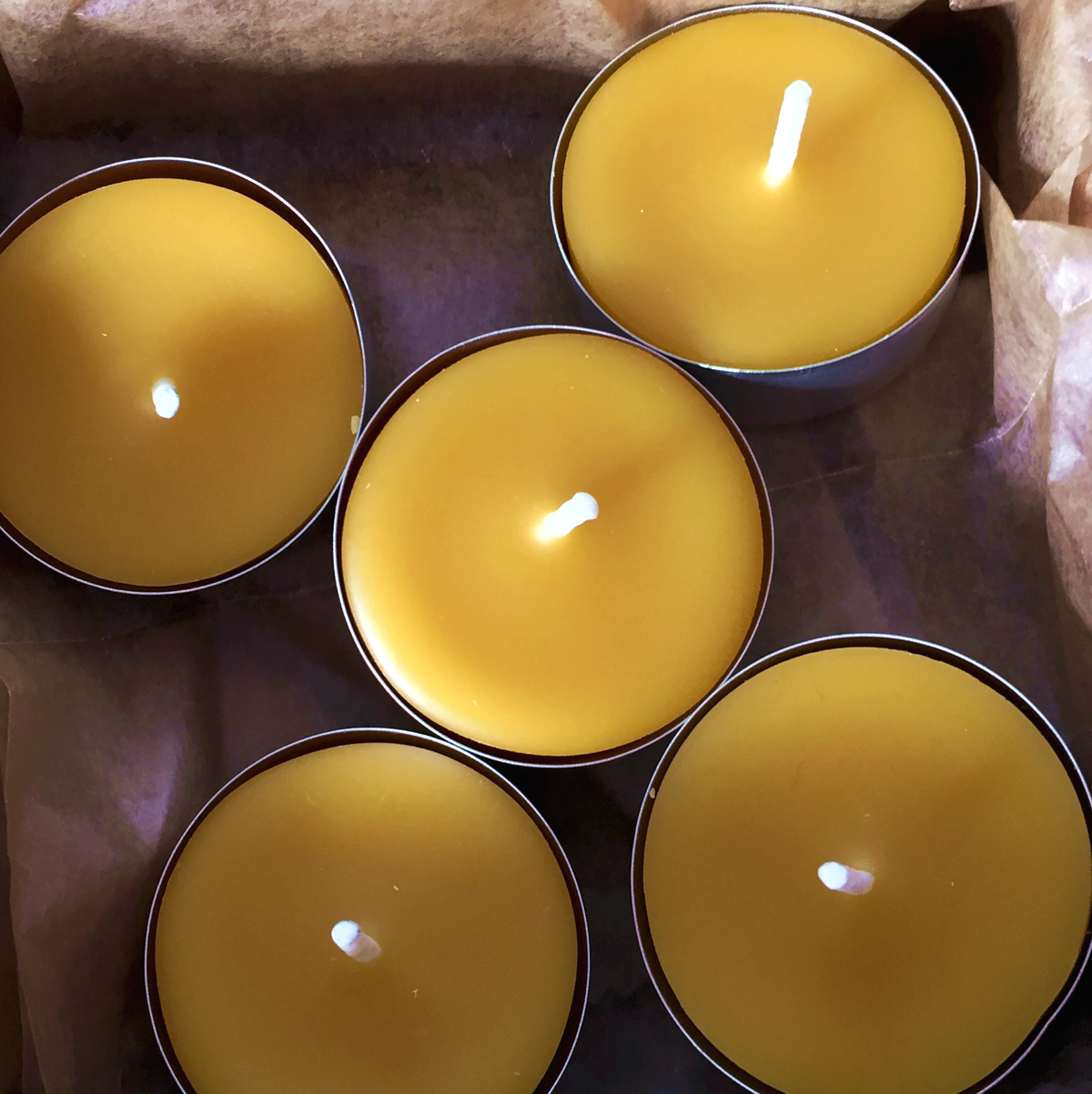 Pour your own beeswax candles: another great gift for the holidays