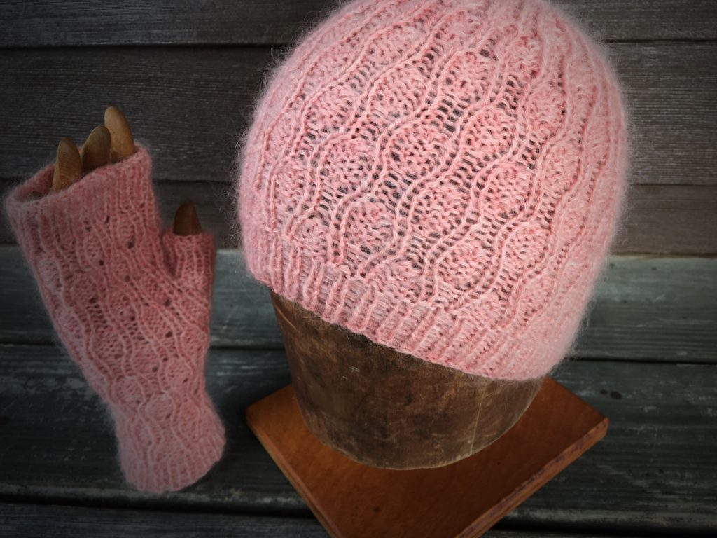 Samples of hat and mitts.